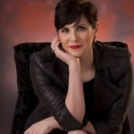 Deanna Raybourn